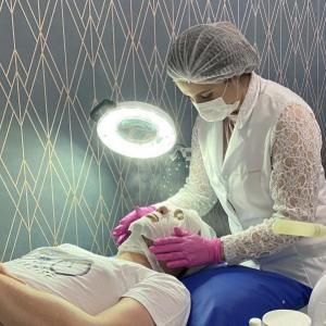 Tratamento de estetica para o rosto